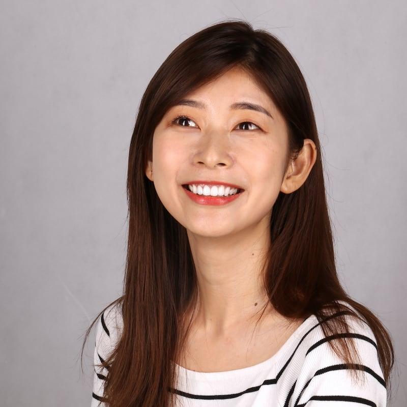瓷牙貼片-推薦-台中朗日牙藝-dsd數位微笑設計-香港新娘-輕瓷美白貼片一天讓她成為最美新娘-術後笑容-2